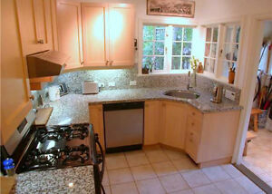 $3600 (ORCA_REF#3288T)Charming character home totally renovated North Shore Greater Vancouver Area image 2