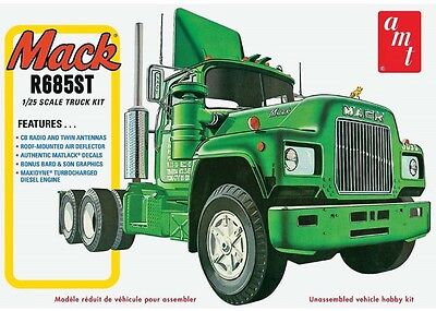 AMT 1039/06 1/25 Scale Mack R685ST Semi Tractor Plastic Model Kit