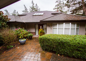 $4800(ORCA_REF#4870V)Dream Family Home with Gorgeous Water