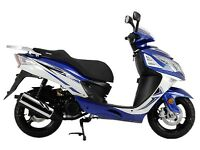 Sinnis 125 scooter/motorcycle with riding gear deal