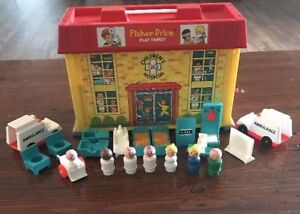 Vintage Fisher Price Little People Play Family Hospital #931 197
