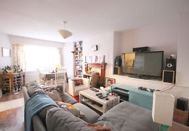 LArge 3 bed flat set in Whitehall PArk conservation area close to Archway tube with a private garden