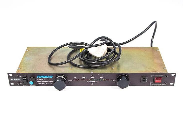 Furman PL PLUS E - Power Conditioner & Rack Light