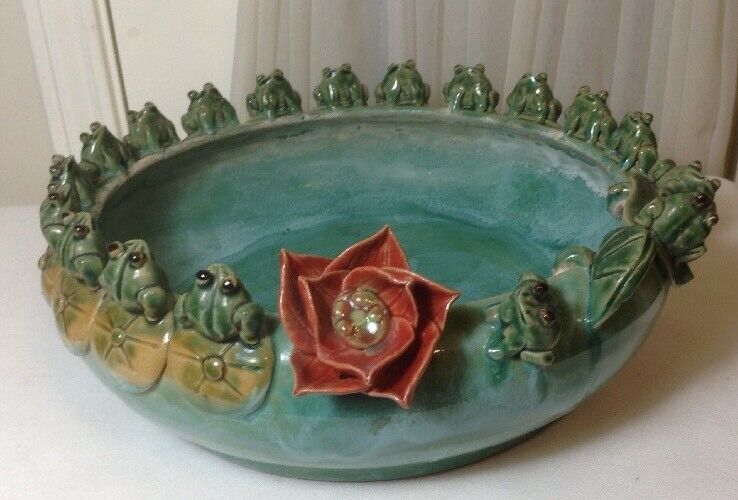 Vintage Green Glazed 3D Ceramic Planter Bowl Pot w/ 18Frogs Lily Pads Red Flower