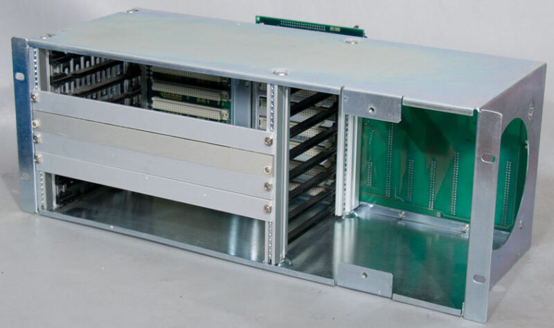 Amat/applied Materials Pn: 0660-01635/01634 Vme Chassis For P2 Chamber