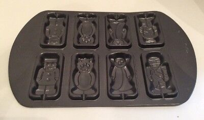 Wilton Halloween Cake Pop / Sucker Pan Mold Mummy Vampire Frankenstein Mold ](Halloween Cake Pop Pans)