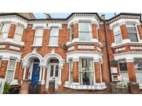 4 bedroom flat in Harley Road, St Johns Wood, London, NW3 3BX