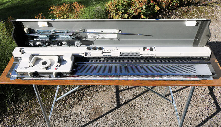Knitting Machine Empisal Knitmaster 700 With Stand In Much Wenlock