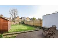 2 bedroom flat in Moring Road, London