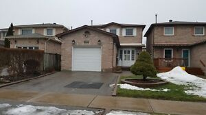 AJAX - 3 bedroom detached home with finished basement