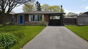 3 bedroom bungalow  with pool - South Ajax