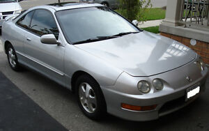 ACURA Integra - AUTO - Leather - Low Mileage - Gas mizer - 4 cyl