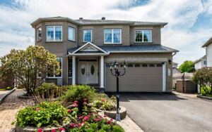 Power Marketing Real Estate: Customized 6 bedroom in Orleans