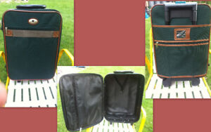 Brand new 2 suitcase & 2 Travel Carry bag & Travel backpack