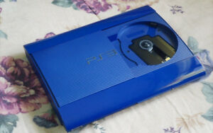 Playstation 3 ,Super Slim 250GB,Comes with wires and controller