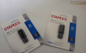 BRAND NEW STAPLES 3.0 HIGH SPEED FLASHDRIVES 32GIG $15/each
