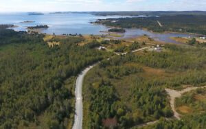 2.2 Acres (0.9 Ha): South Shore Road, Nova Scotia