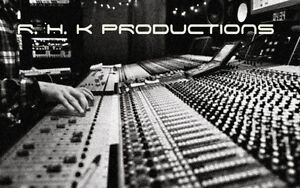 Session Keyboard player/ Film & Video game scorer available