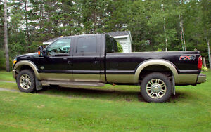2013 Ford F-350 Lariat King Ranch Package Pickup Truck