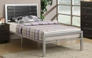 Platform Metal Bed with Wood Panels - Silver Queen / Silver / Metal & Wood