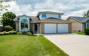 Gorgeous Family Home Located in Steinbach, MB