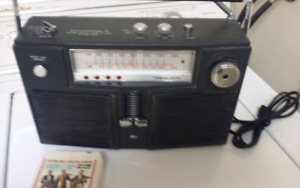 FULLY FUNCTIONAL CONCERTMATE 8/AC/DC/AM/FM/PORTABLE 8 TRACK