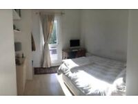 Double room in recently refurbished house