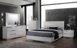 Bedroom Set with Mirror Accents High Gloss Head Board 8 pc - White King / White