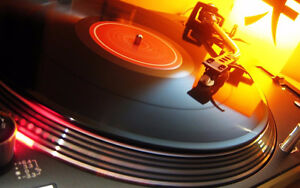 Looking to buy records or turntables (vinyl lp albums)