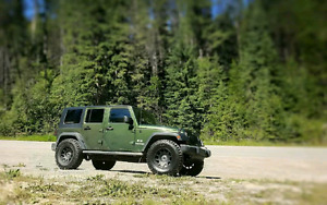 "REDUCED! Jee Wrangler with LIFT, RIMS and 34"" tires! Great deal!"
