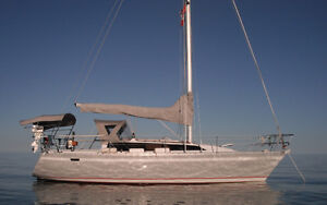 1987 O'Day 322 Sailboat ready to go with dinghy and cradle
