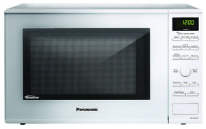 Microwaves in good working condition