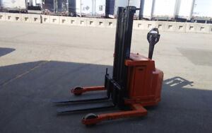 Blue giant stacker Electric Forklift