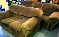 2 PIECE SOFA & LOVE SEAT LIKE NEW MINT CONDITION