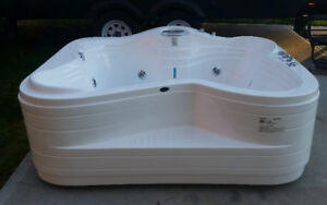 BRAND NEW 2 Person Jetted-Massage Bathtub
