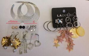 Boucles d'oreilles, bagues, colliers, bracelets, maquillage