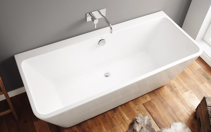 Cuba Free Standing Back To Wall Seamless Acrylic Bath