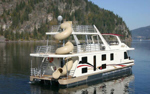 Shuswap houseboat rental - 16 people -  july