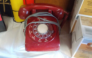 OLD RED DIAL PHONE $35 obo CALLS ONLY PLEASE 905-818-5002 ***
