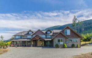 Spectacular Mansion on 2.5 Acres in prestigious Benson Meadows!!