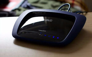Linksys E3000 Wireless-N Dual-Band Router with Gigabit LAN & USB