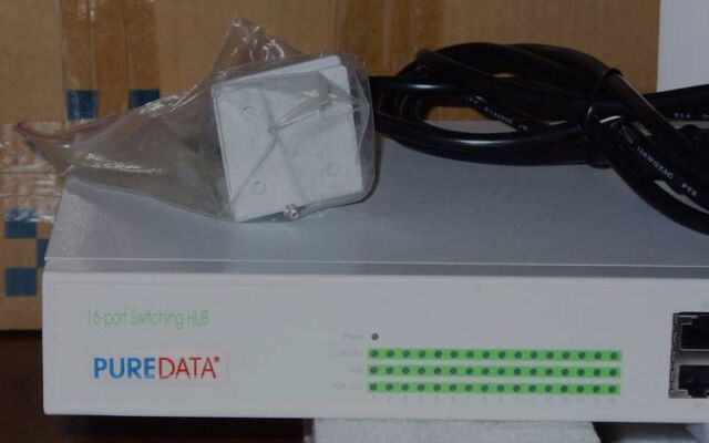 REDUCED PRICE - Pure Data 16 port 10/100 Managed Switch