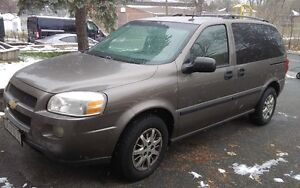 2005 Chevrolet Uplander Value Minivan, Van West Island Greater Montréal image 1