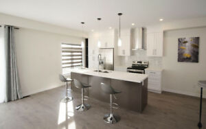 New Luxury Townhouse in Whitby Shores