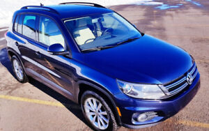 2013 Volkswagen Tiguan 4 MOTION 6 SPEED AUTO WITH 8 NEW TIRES!!!