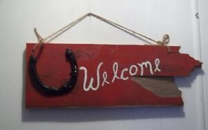 Rustic Wood Welcome Signs - Horseshoes