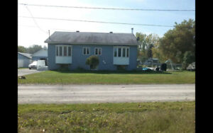 Maison /chalet à vendre - St-Anicet - bord de l'eau