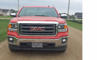 2014 GMC Sierra 1500 SLT 4x4 - less than 4500 km