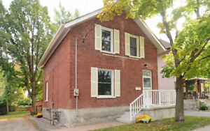 $279,000 - MOVE IN READY - 2 Storey Brick Home
