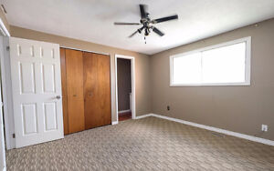 **Reduced** Semi-detached in Forest Glade Move in Ready! Windsor Region Ontario image 9